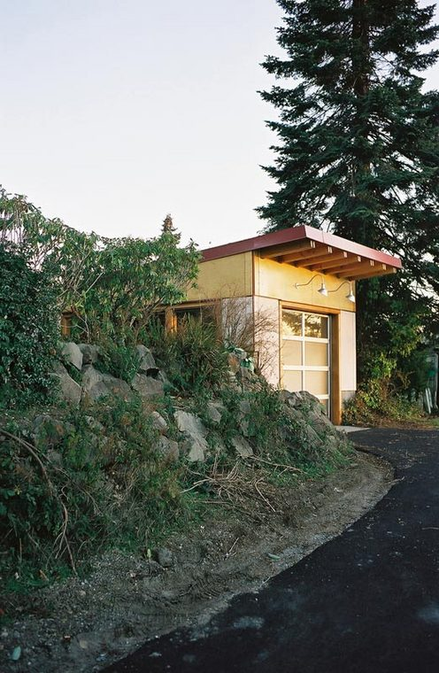 Green_Roof_Garage_View_from_Alley1.jpg