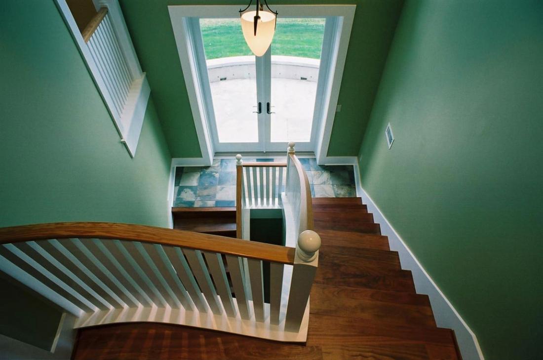 Harding_Home_Stairway-1100x729.jpg