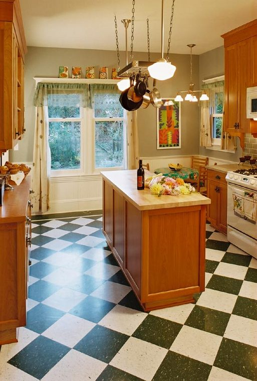 Wallingford_Kitchen_Renovation_View_from_Hall.jpg