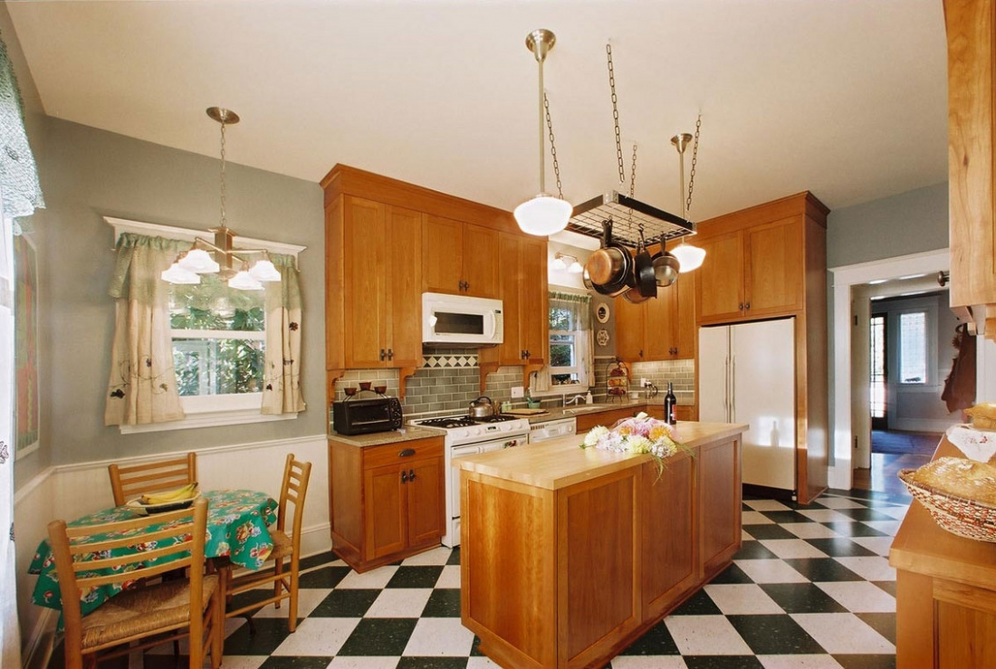 Wallingford_Kitchen_Renovation_View_from_Mudroom1-1100x739.jpg